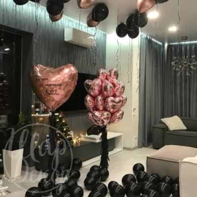 Готовое решение из воздушных шаров Сердце розовое золото